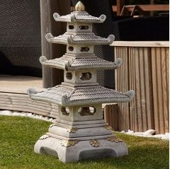 japanese four tier pagoda